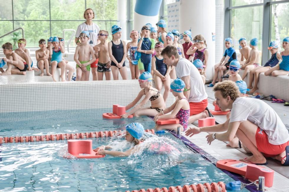 182 pływackie medale zdobyły dzieci wOławie