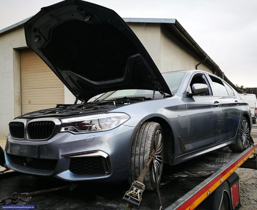 Policjanci odzyskali auto warte blisko pół miliona złotych